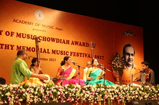 Kanchana Sisters- Vidushi Shriranjani and Vidushi Shruthiranjani performed at Chowdaiah Memorial Hall during the K K Murthy Memorial Festival 2017 in Bengaluru